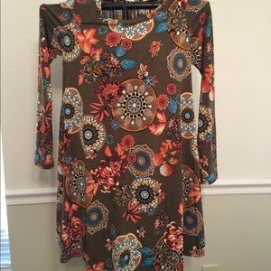 Dresses & Skirts - NWT Boutique Boho Hippy Olive Floral Swing Dress